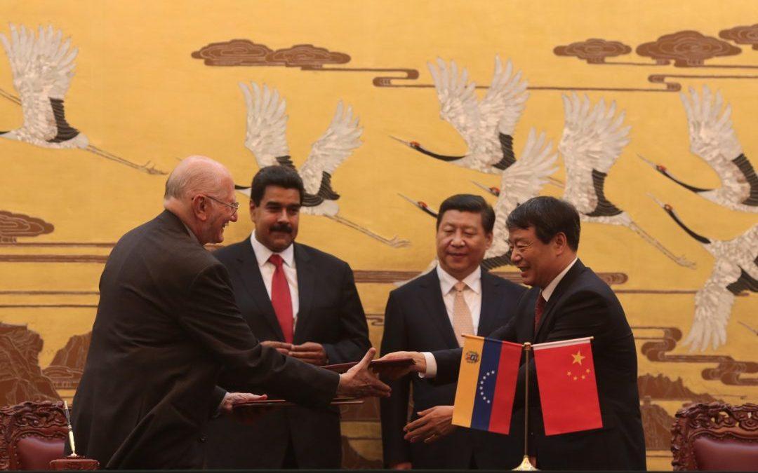 Expertos analizan impacto de los acuerdos Venezuela-China en la democracia