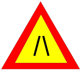 CARRIAGEWAY NARROWS