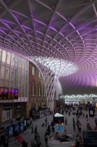 King's Cross - new concourse and info screens