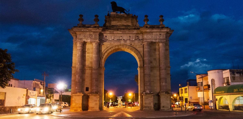 Resultado de imagen para monumentos de leon arco de la calzada