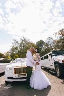 beautiful wedding rolls royce phantom photography