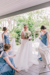 beautiful irish bride with bridesmaids wedding photography