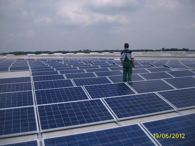 1 mW saulės elektrinė ant Volkswagen gamyklos stogo Hannover, Vokietija