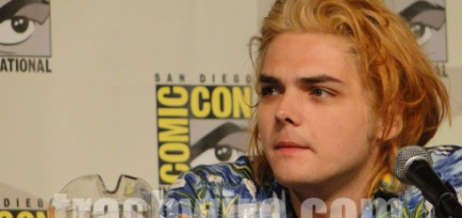 Gerard Way goes for blonde hair at Comic Con 2010