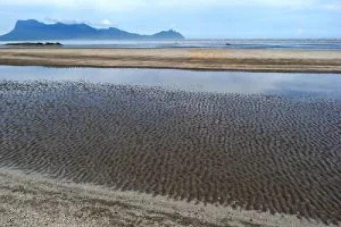 Marea en Bako