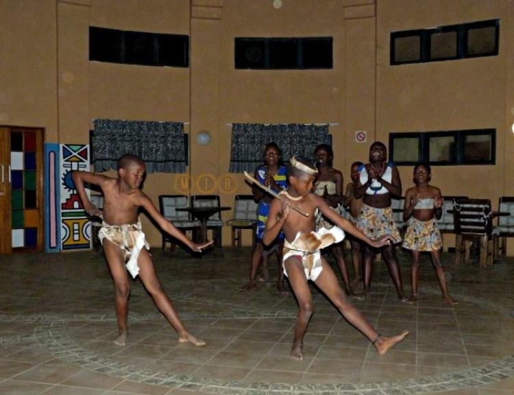 Alojamientos en poblado Ndebele, turismo sostenible
