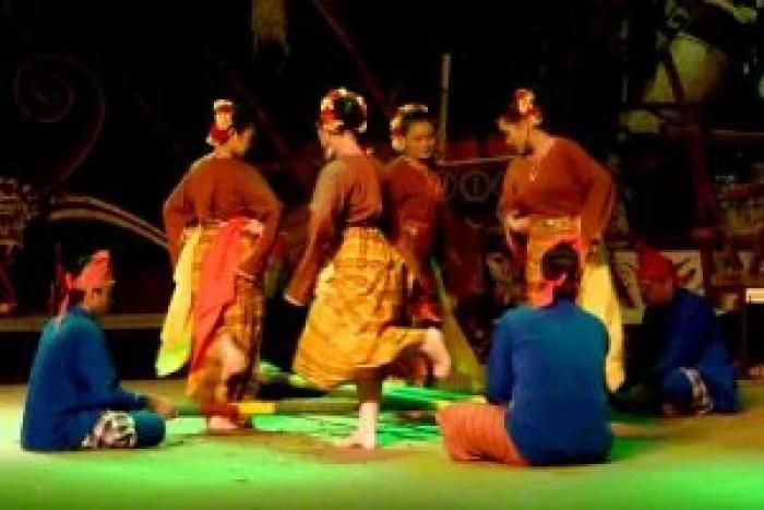 Show de danzas de Malasia