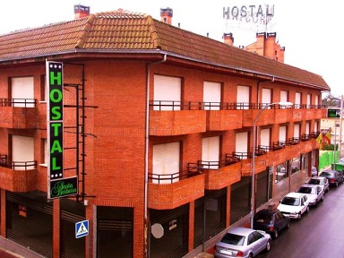 Hostal en población turística a 49 Kms de Madrid