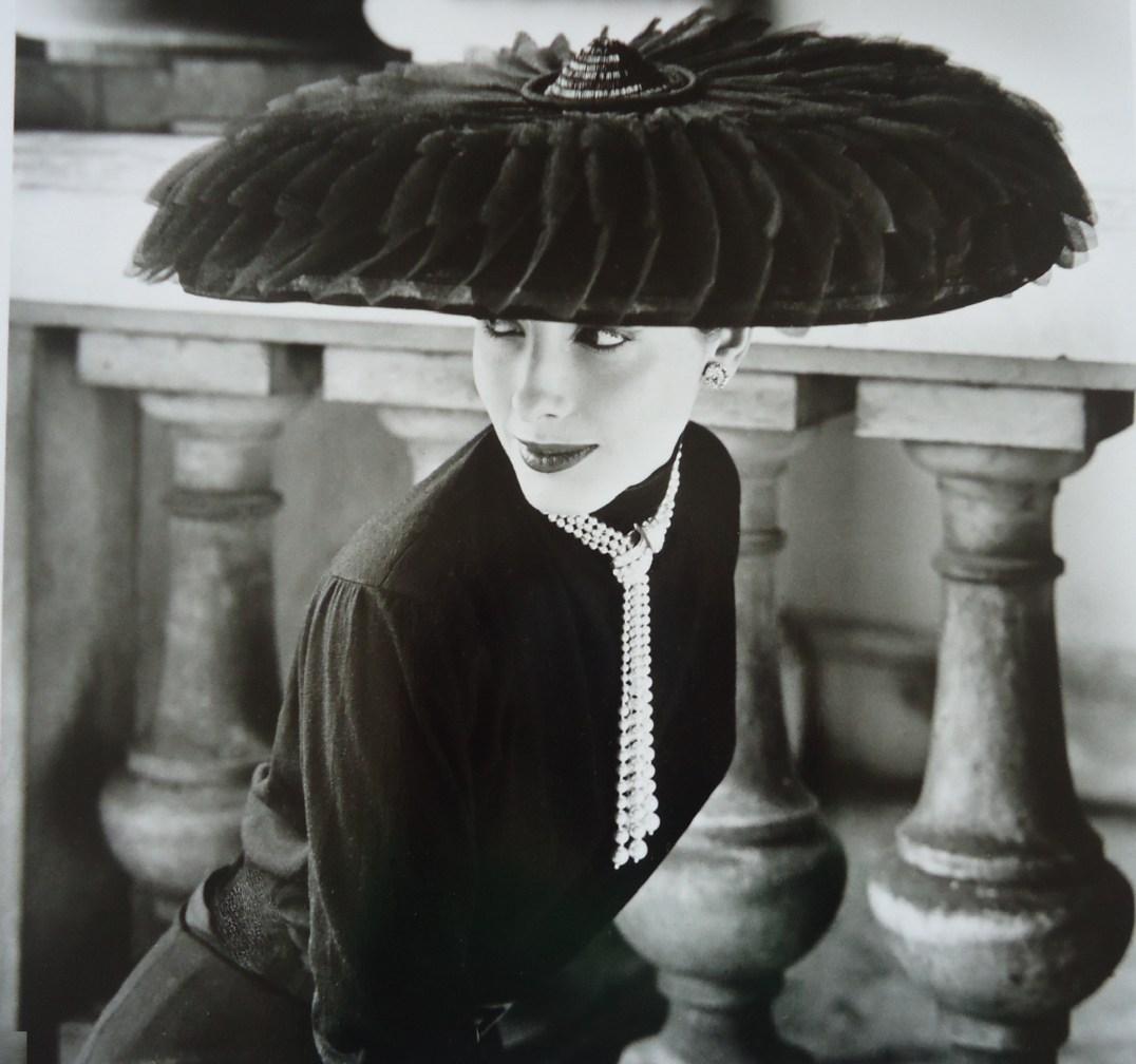 """""""Le Groux Souers Hat, Vogue"""", Norman Parkinson, 1952"""