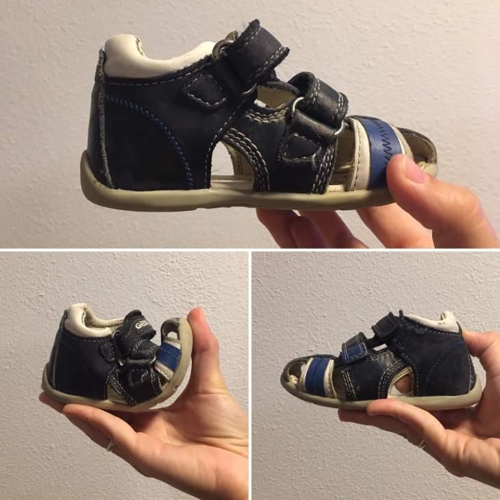Zapato adecuado para niño: se pude doblar con una mano, es de cuero y tiene refuerzo para el talón