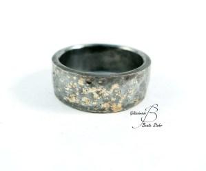Ring Gold-Schwarz 2