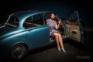 Stephanie Hensel, Hair- and Make-Up Artist, Studioassistentin - und hier als Model im Daimler für das Pin-Up Atelier Hamburg