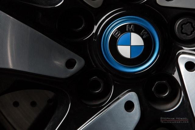 BMW i8, Detailansicht von Rad mit Turbinenfelge, Automobilfotograf: Stephan Hensel, Hamburg