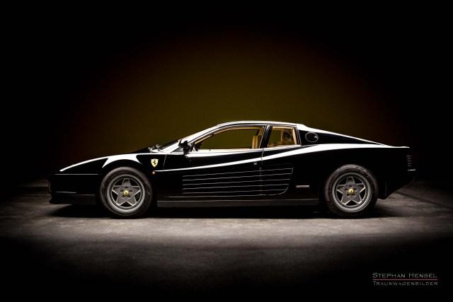 Ferrari Testarossa von 1989, Studioaufnahme von links. Autofotograf: Stephan Hensel, Hamburg