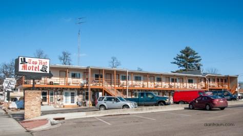2016-03-23 Top Hat Motel