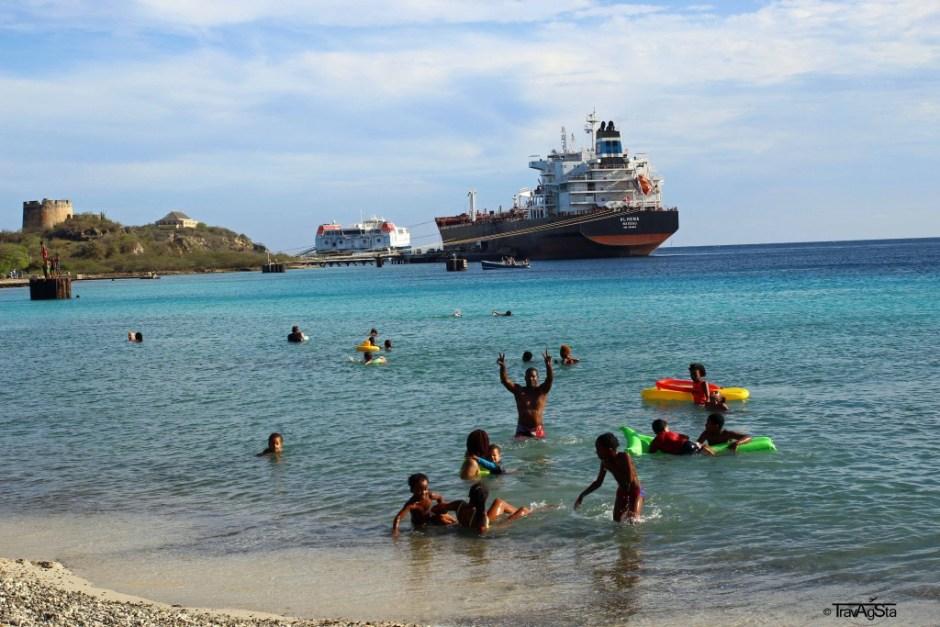 Caracas Bay, Curaçao
