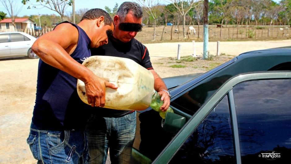 An der 'Tankstelle', Cuba