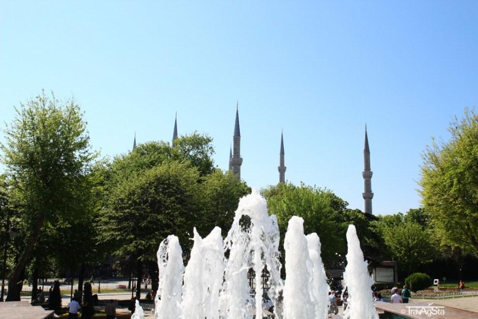 Blue Mosque/ Sultan Ahmet Mosque, Istanbul, Turkey