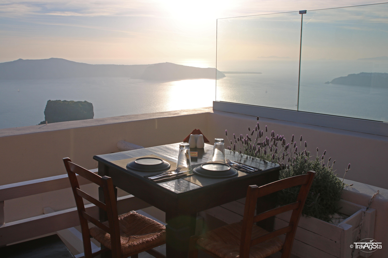 Essen und Trinken in Santorini!