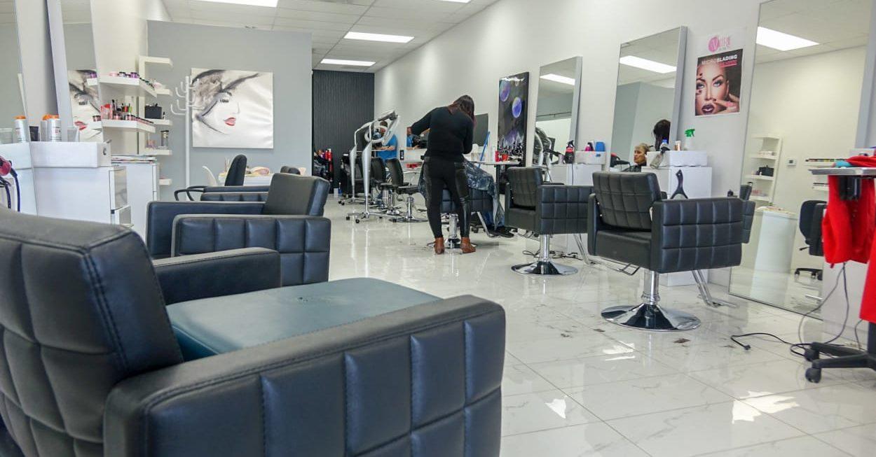 Crer son salon de coiffure  Travailler de chez soi info