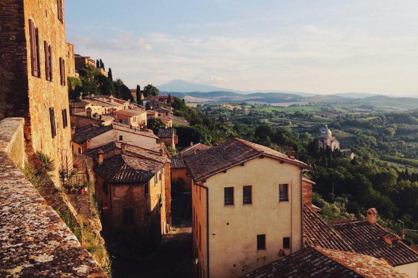 travel-inspired books tuscany