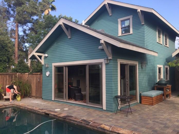 Pool house in San Diego