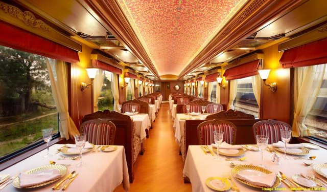 Luxury Trains In India : Maharaja's Express