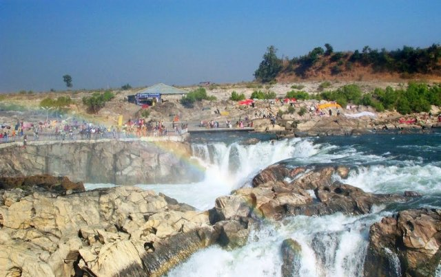 Famous Waterfalls In India : Dhuandhar Waterfall