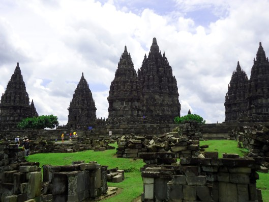 Prambanan establishing1
