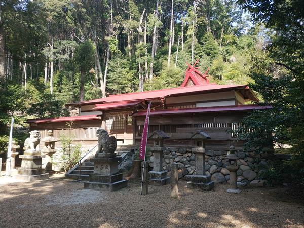 咸古神社の拝殿