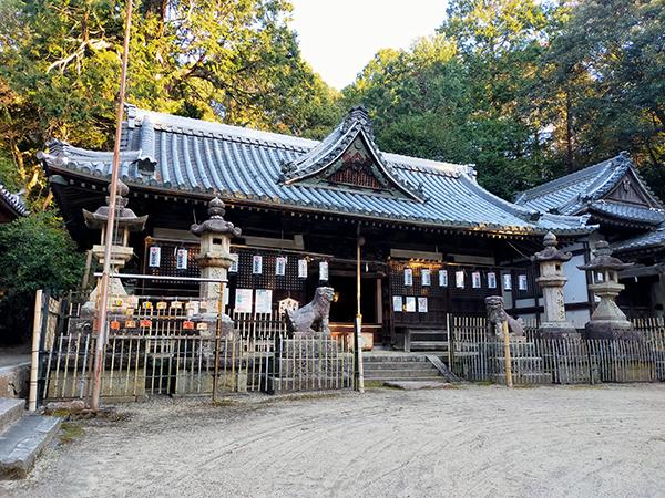 科長神社の拝殿