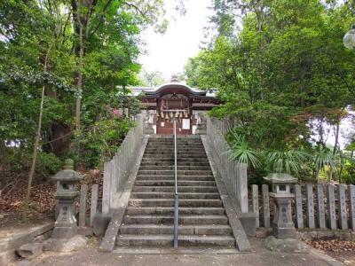野々上八幡神社の境内