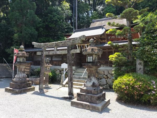 烏帽子形八幡神社の本殿