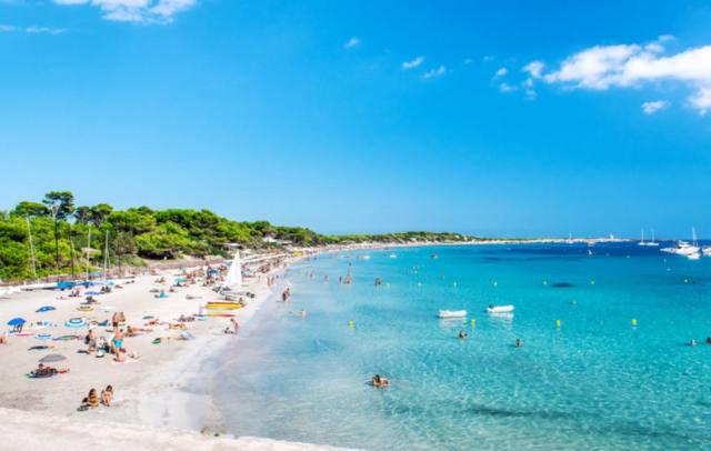 Пляж Las Salinas, Ибица, Испания.