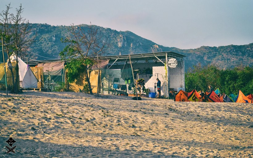 vietnam surf camping 'restaurant' or main building in Phan Rang kite spot