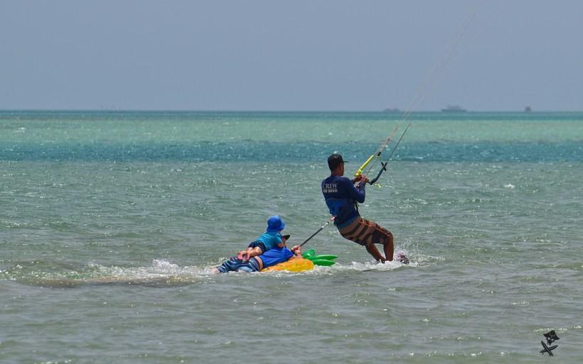 kitesurfing fun towing kid safarinio egipt