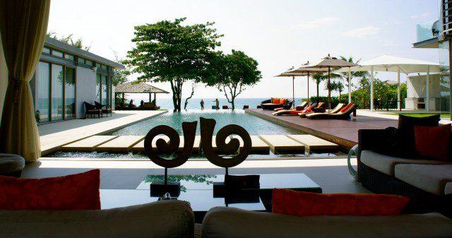 The stunning pool