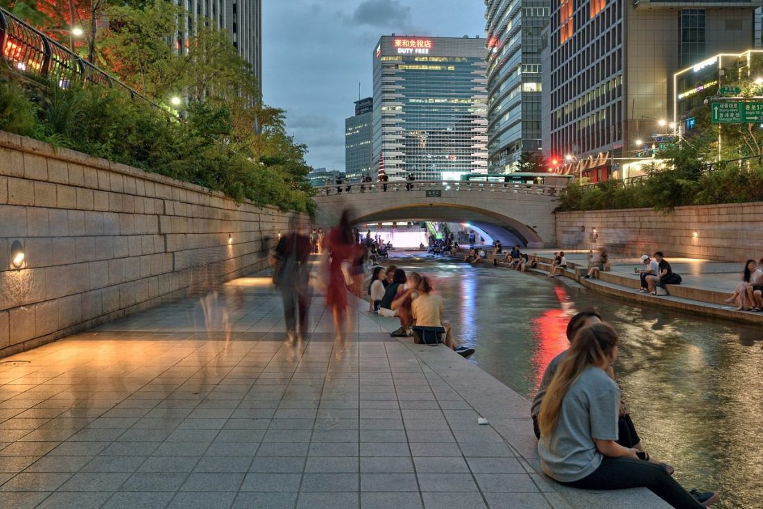 Cheonggyecheon stream during summer in seoul
