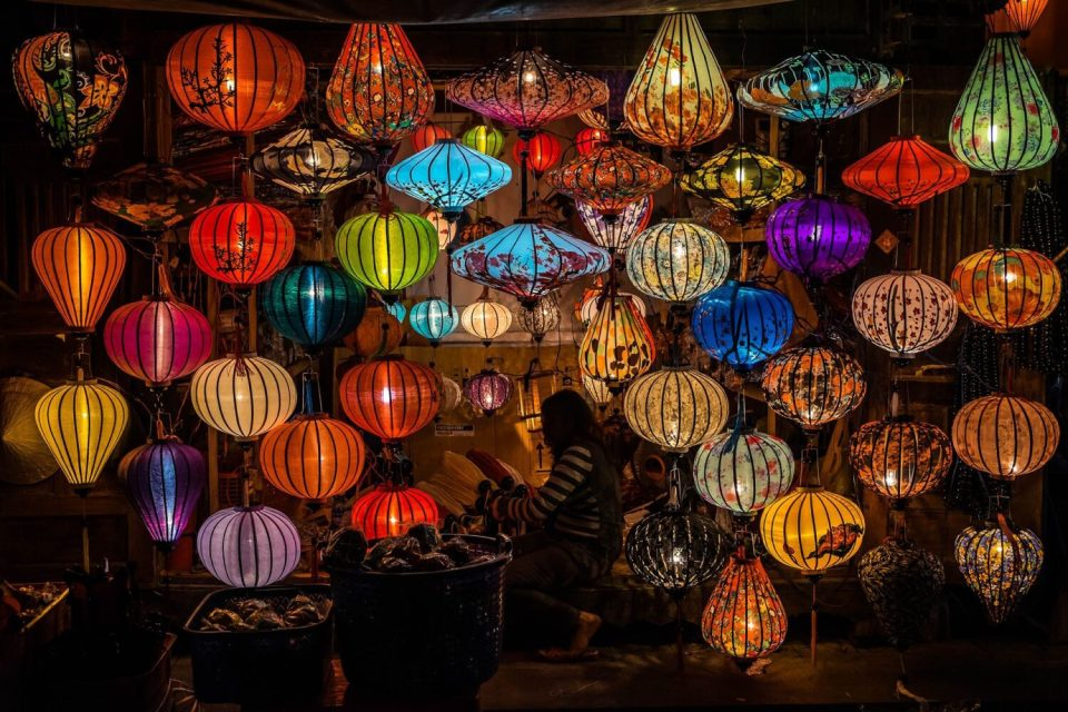 lantern shopping is one of best things to do in hoi an
