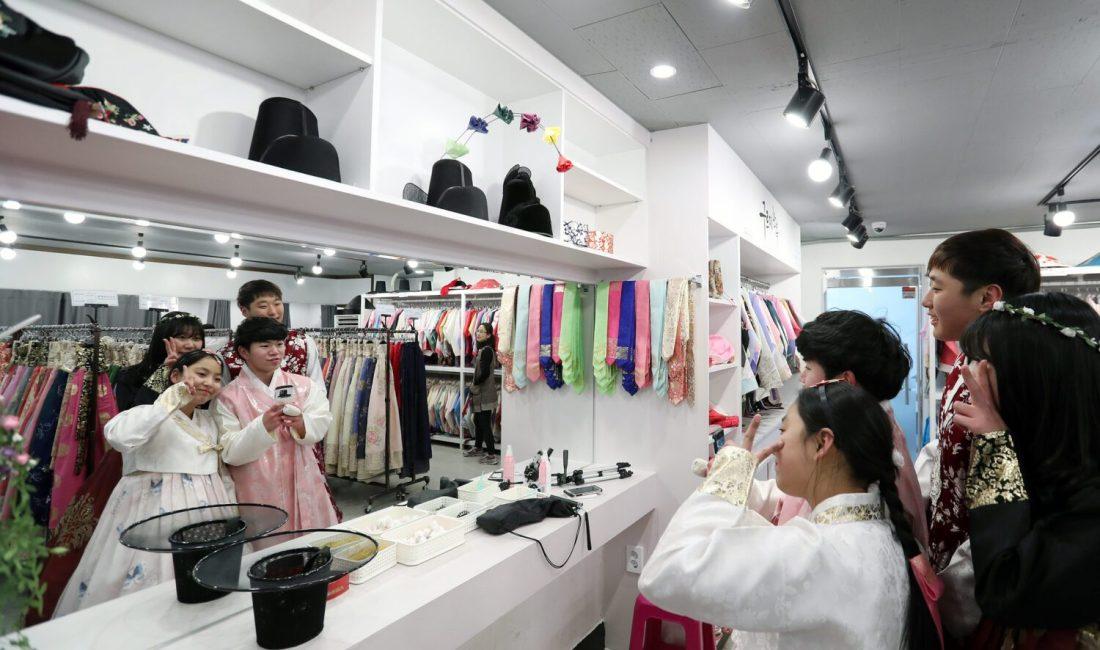 hanbok rental near gyeongbokgung