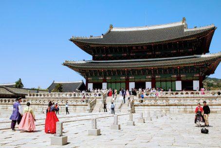 hanbok rental seoul near gyeongbokgung