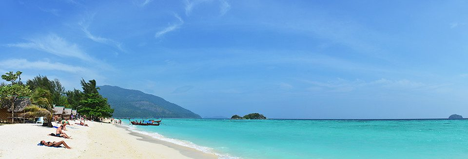 sunrise beach in koh lipe thailand