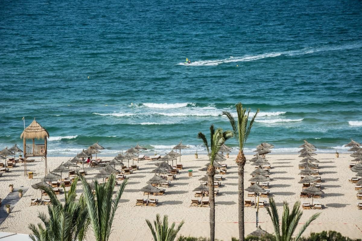 Пляж в Тунисе - отель Mövenpick Resort & Marine Spa Sousse