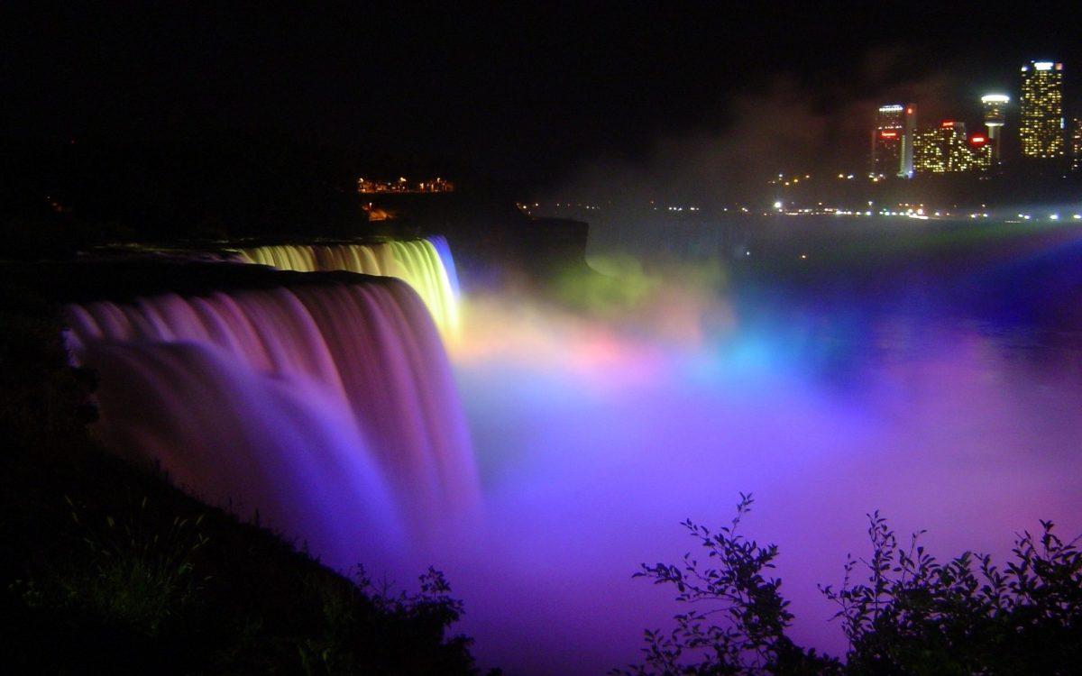 Ниагарский водопад ночью. Подсветка на Ниагарском водопаде