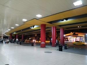 ハバナのホセ・マルティ空港の外