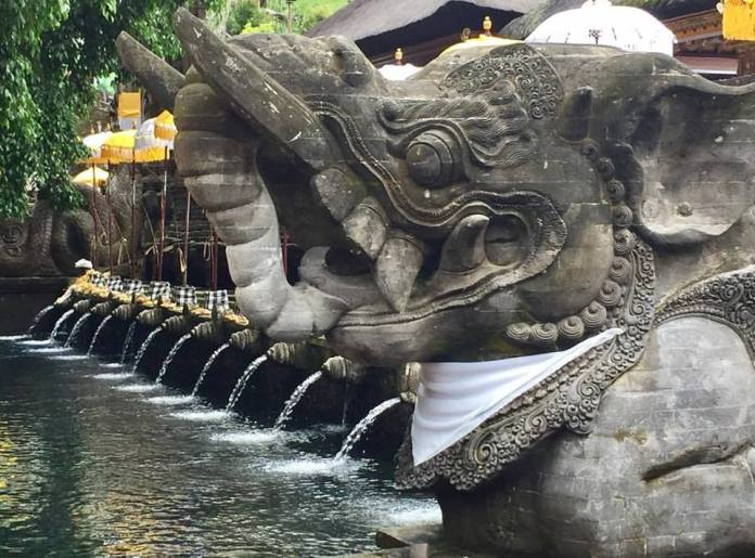 Tirta Empul is one of the best temple destinations on the island. Image: www.facebook.com/wayanapa