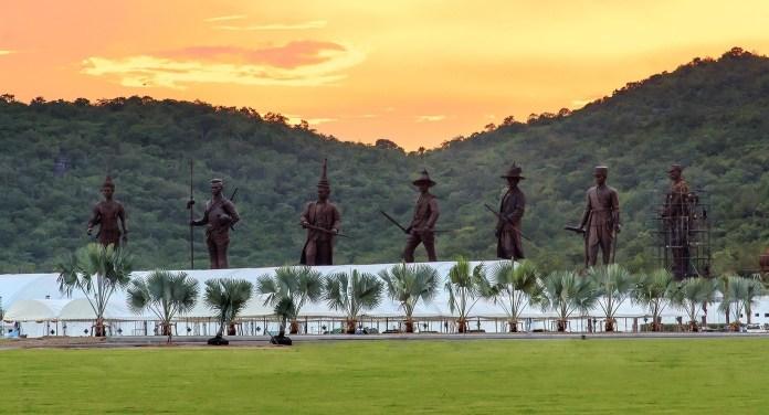 The king statues at Rajabhakti Park