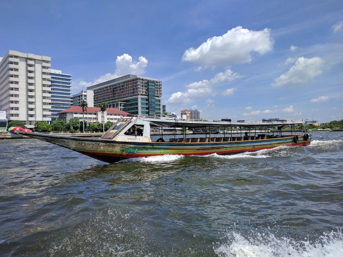 Chao Phraya https://commons.wikimedia.org/wiki/File:Long_motorboat_on_the_Chao_Phraya_River_in_Bangkok.jpg