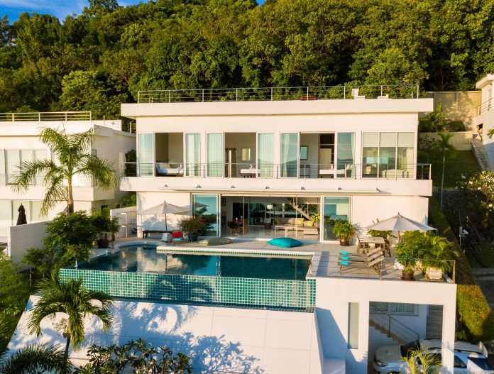 Sunset Bay Villa is an amazing option for lovers of affordable luxury