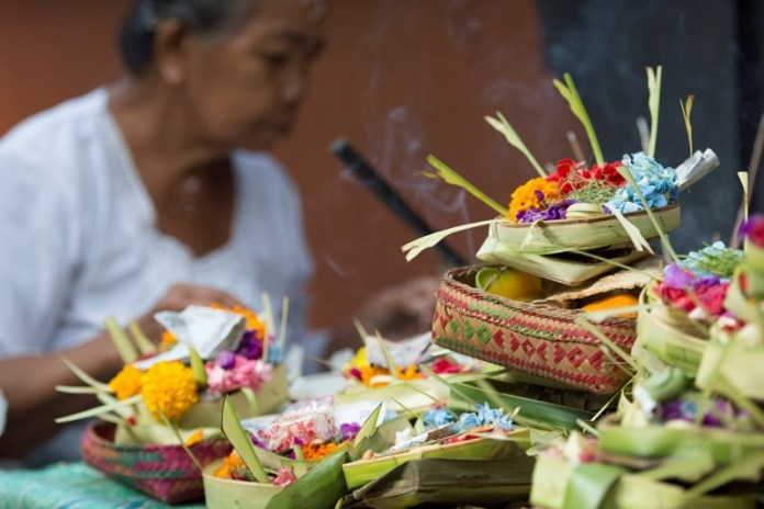 Balinese traditinal healer